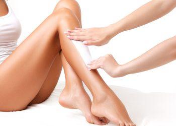 Poczujeuforie Aleksandra Ostromecka - depilacja nogi