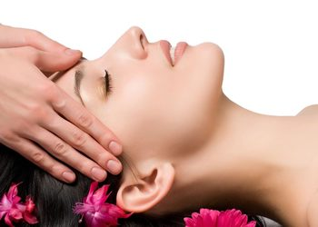 ATURI ORIENT MASSAGE - indonesian head massage 30min