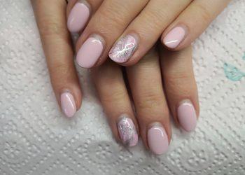 """Salon """"EVITA"""" - manicure hybrydowy ze zdjęciem starej hybrydy"""