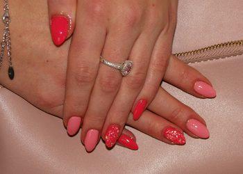 """Salon """"EVITA"""" - uzupełnianie paznokci żelowych"""