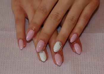 "Salon ""EVITA"" - manicure hybrydowy"