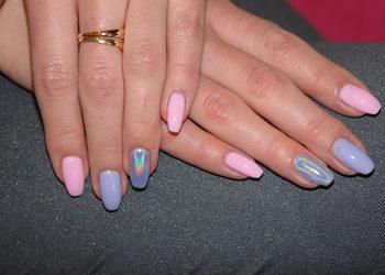 """Salon """"EVITA"""" - przedłużanie paznokci żelem na szablonie lub tipsy"""