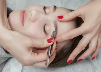 Centrum Kosmetologii Kirey Gliwice - regulacja brwi