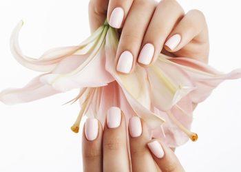 Salon Pielęgnacji Dłonie i Stopy  - manicure hybrydowy
