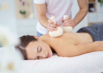 Zdrowy Masaż hotel Falko - masaż tajski stemplami 60 minut