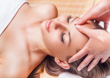 Body & Mind massage by HANKA KRASZCZYŃSKA - 06 masaż głowy, twarzy, szyi i dekoltu / face, head, neck and neckline massage