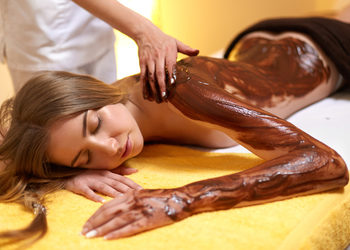 Body & Mind massage by HANKA KRASZCZYŃSKA - 11 masaż gorącą czekoladą 60min/ hot chocolate massage 60mins