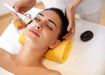 Body & Mind massage by HANKA KRASZCZYŃSKA - 18 całkowity zabieg na twarz z masażem / total facial treatment with massage