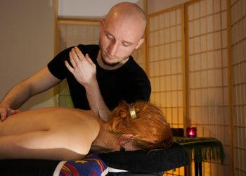 """Studio Masażu i Terapii Naturalnej JuriMo - masaż całościowy """"tybetański"""""""