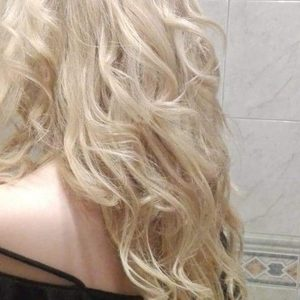 Mia Bella - Dekoloryzacja na całą długość włosa + tonowanie + strzyżenie