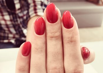 Klinika Piękna MaVie - promocja - manicure hybrydowy ze zdjęciem poprzedniego lakieru hybrydowego