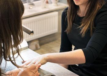 Instytut Urody Symfonia Piękna - manicure odżywczy / klasyczny / biologiczny