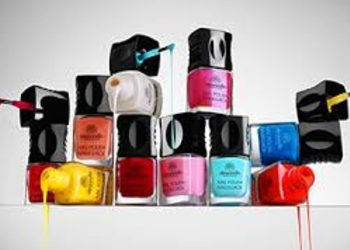 Instytut Urody Symfonia Piękna - malowanie / zdobienie paznokci stóp