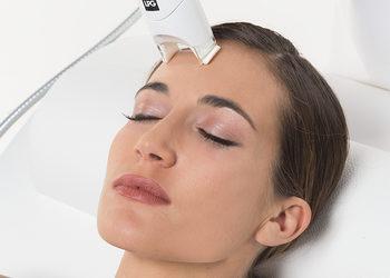 Mariposa Med-Spa - alliance - 40 minut – pobudzenie skóry, poprawa kondycji partii wokół oczu i ust