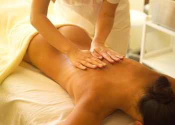 Instytut Urody Symfonia Piękna - masaż relaksacyjny pleców