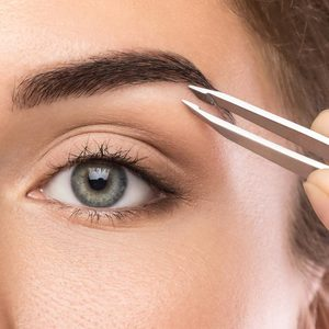 Salon Urody AS Professional Beauty - Regulacja brwi