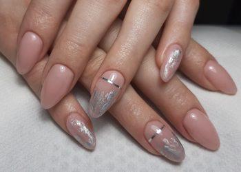 Salon fryzjerski kosmetyczny She & He - manicure hybrydowy spa paznokcie hybrydowe