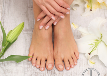 Klinika Piękna Derm Expert - pedicure hybrydowy shellac + masaż i peeling gratis