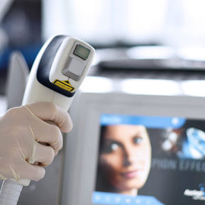 DAY SPA INNOWACJE - Laser Diodowy MedioStar - usuwanie owłosienia - SZYJA Mężczyzna - 300zł, 150 zł