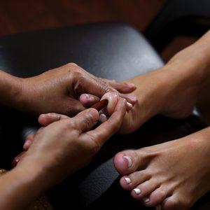 22 Thai&Beauty - 07. Refleksoryczny masaż stóp i nóg / Reflexive massage of feet and legs