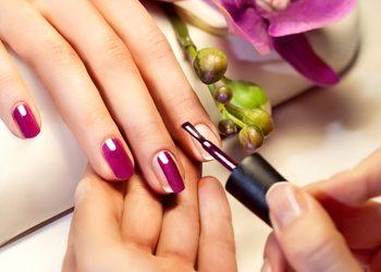 Crystal Clinic - manicure z malowaniem