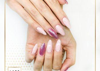 V&K Cosmetic - manicure hybrydowy z przedłużaniem
