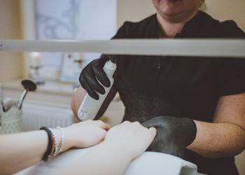 Vessna gabinet kosmetyczny Paulina Ostrowska - manicure klasyczny