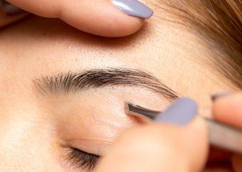 Instytut Urody POR FAVOR - regulacja łuku brwiowego