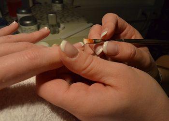 YASUMI  - manicure hybrydowy french