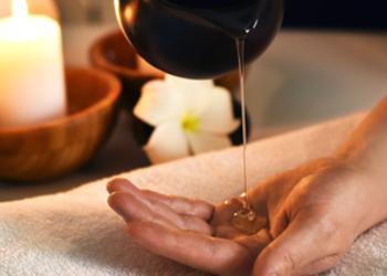 Manaw Spa - masaż lomi lomi olejkiem eterycznym