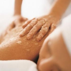 Studio Pemodelan - Gabinet Zdrowego Ciała - 4. Cytrusowy peeling  - przygotowuje skórę do wchłaniania składników aktywnych - jako dodatkowa usługa do masażu ciała
